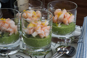 Asparagus mousse with prawns and dill