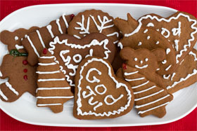 Iced (frosted) pepparkakor (gingersnaps)