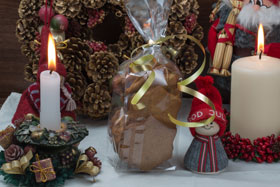 Cellophane wrapped pepparkakor