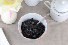 Blueberry or bilberry compote