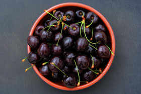 A bowl of Lapin cherries