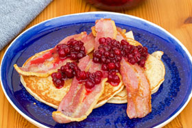 Rye pancakes with bacon and sweetened lingonberries