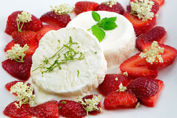 Marinated strawberries with elderflower parfait