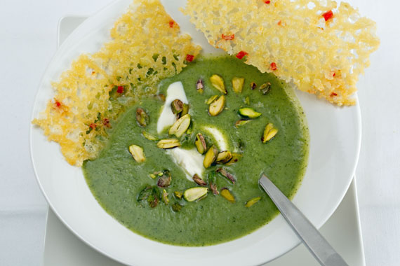 Broccoli soup with Västerbottensost tuiles